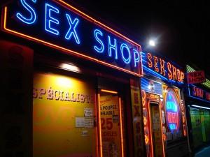 Kaip išdrįsti įkelti koją į sex shop`ą?